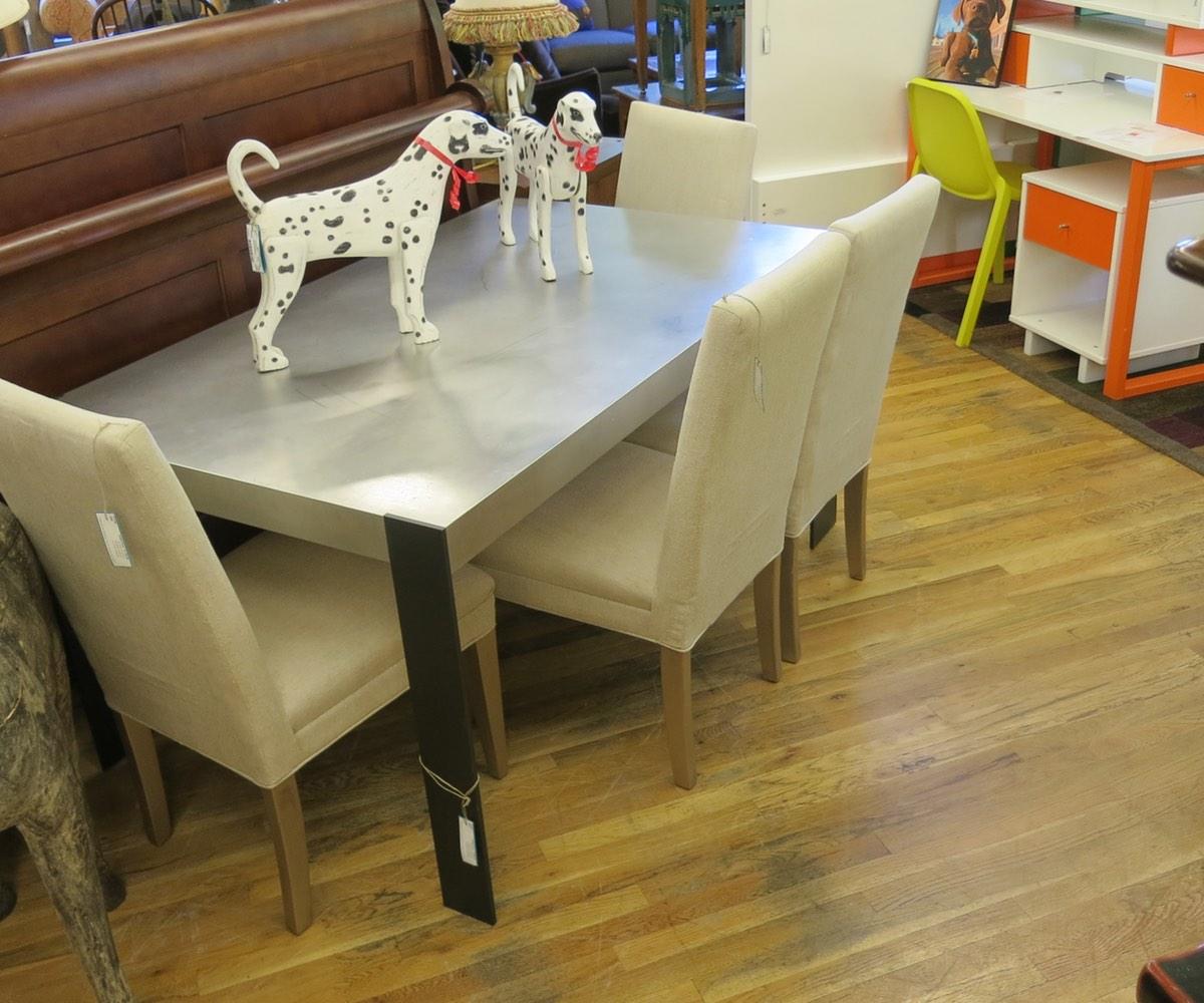 anton-proulx-table