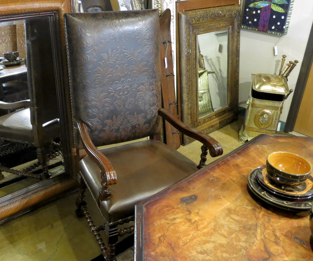 captains-chairs